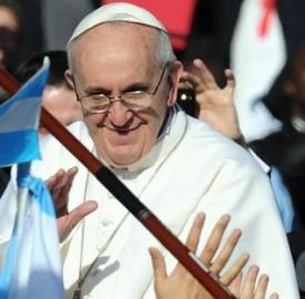 Il Santo Padre Bergoglio tra i fedeli