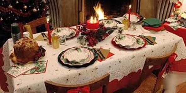 Tavola di natale ecco alcune idee per apparecchiare e decorare il tavolo natalizio - Decorare la tavola a natale ...