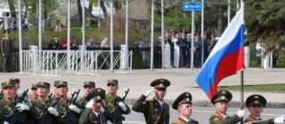 Truppe russe durante una parata