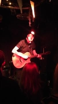 The best view of Jon Gomm, guitar master at work.