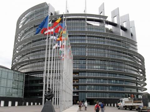 Il roaming verr abolito nel giugno 2017 l unione europea for Roaming abolito