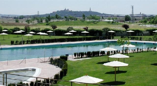 Photogallery empieza la temporada de las piscinas de verano for Piscinas comunidad de madrid 2016