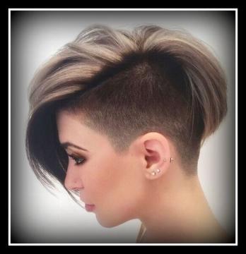 Tagli capelli rasati da una parte