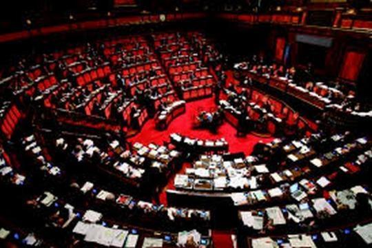 Sondaggi politici il pd naufraga con gli immigrati for Nomi politici italiani