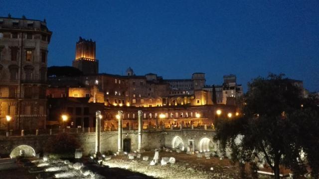 Ruinas romanas en Roma, Italia