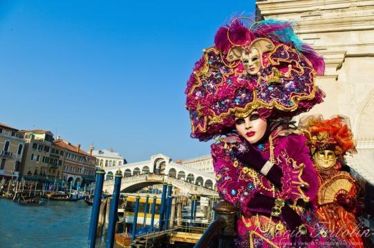 "Carnevale Venezia, ""I bagnanti di Senigallia"" è la Maschera più Bella del 2016"