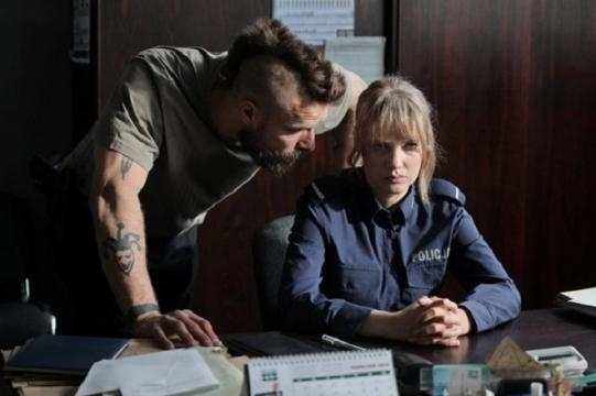 Piotr Stramowski i Joanna Kulig w scenie z filmu 'Pitbull. Niebezpieczne kobiety'.