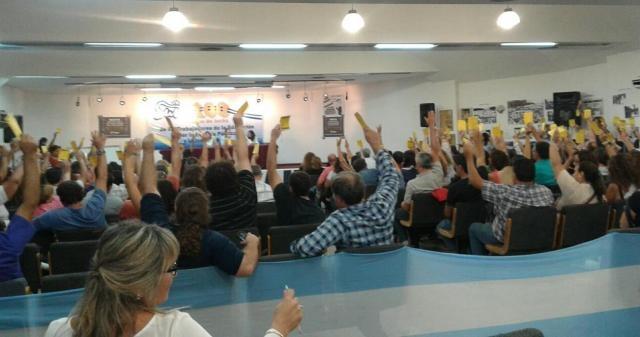 Plenario de delegados docentes del SUTE