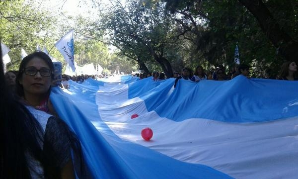Marcha a la casa de gobierno de Mendoza