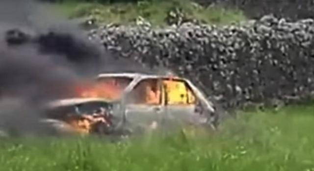 Corpos só foram detectados após a extinção do fogo que destruiu o veículo