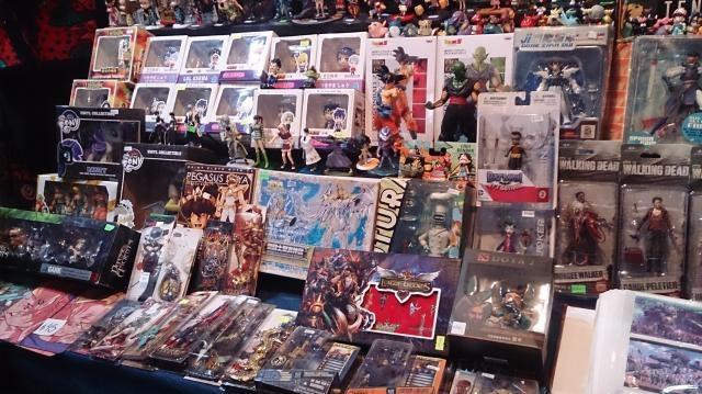 Gran variedad de artículos coleccionables de anime