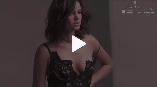 Vídeo com Bruna Marquezine de calcinha cai na web e marmanjos vão à loucura