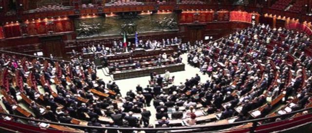Mozioni sull italicum si apre la discussione in parlamento for Oggi in parlamento