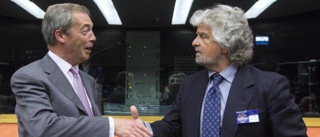 Nigel Farage e Beppe Grillo, fine del 'matrimonio' europarlamentare