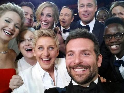 Oscars selfie sparks 'groupie' trend | SBS News - com.au