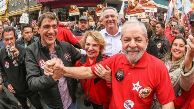 Polícia procura drogras na casa do filho de Lula