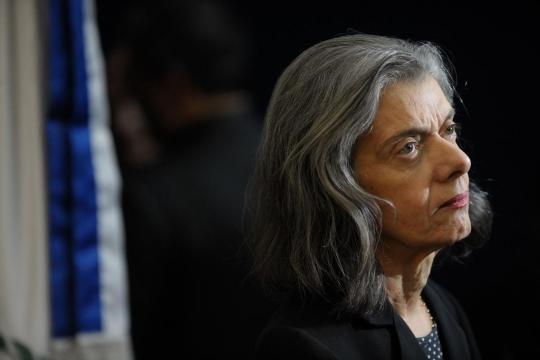 Ministra Cármen Lúcia preside a mais alta Corte de Justiça do país