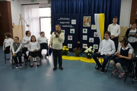 Nauczycielka religii Joanna Archutowska. Wprowadzenie do akademii (fot. Jerzy Jastrzębski)