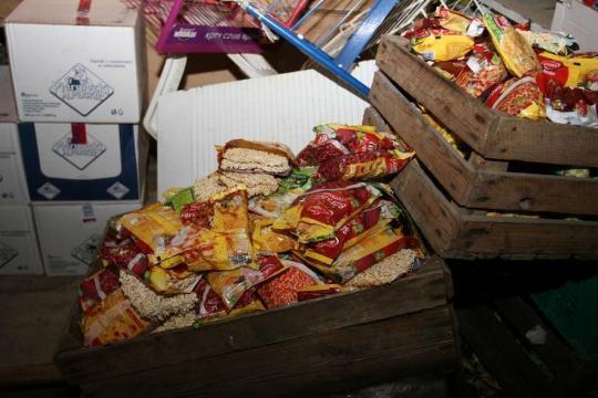Od 2 lat jemy stare jedzenie? (fot. fakt.pl)