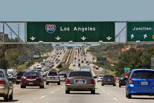 Freeway Traffic at Interstate 805 (Image credit – Curimedia – Wikimedia Commons)
