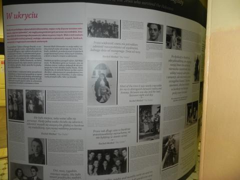 Fragment ekspozycji 'Wszystkie drogi...' w Ostrowcu Świętokrzyskim (fot. Krzysztof Krzak)
