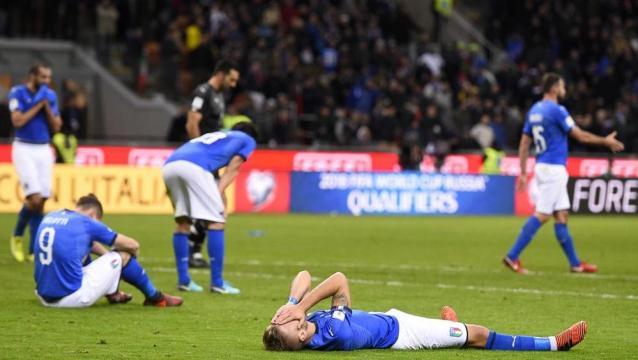 La delusione sul campo di Milano a fine partita