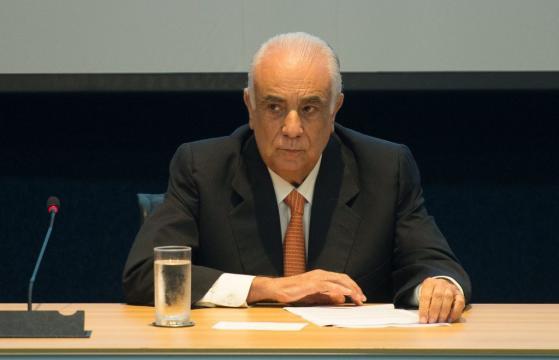 Presidente nacional do PR e ex-ministro dos Transportes, Antônio Carlos Rodrigues se entregou à PF em Brasília.