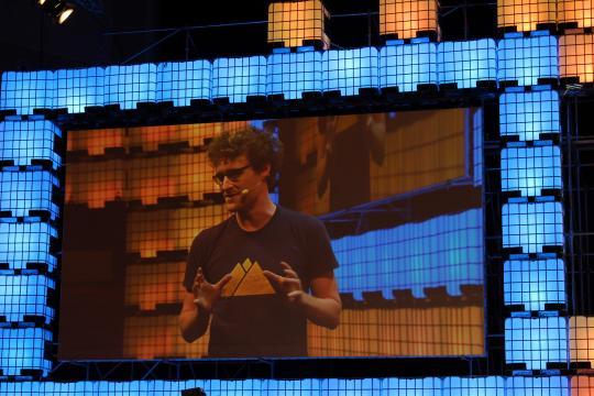Paddy Cosgrave no grande ecrã do Web Summit