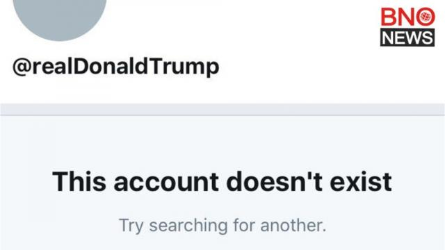 The official @realDonaldTrump account momentarily deactivated