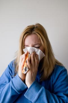 This season's flu shot is showing to be not as effective. [Image via Pixaby]