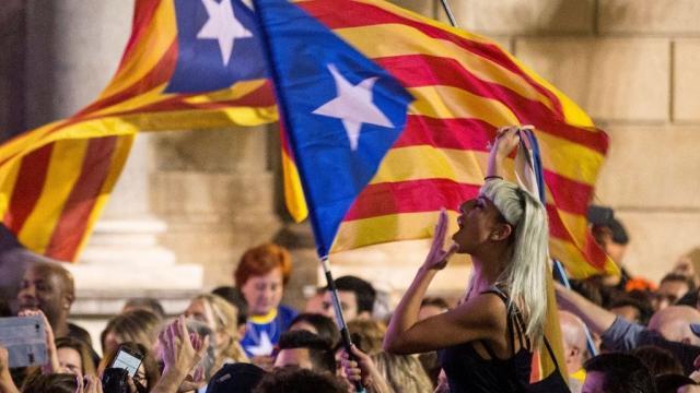 Historia urgente de la República catalana: Puigdemont reina 4 ... - elespanol.com