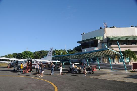 Vieques airport, Puerto Rico (Image credit – David Broad, Wikimedia Commons)
