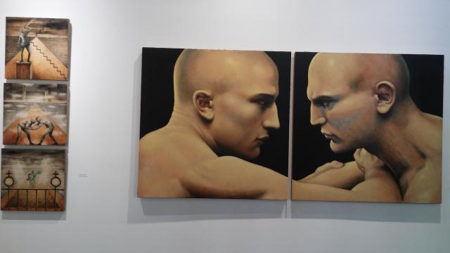 Javier de la Garza despliega su trayectoria cargada de simbolismo tradicional y homoerótico.