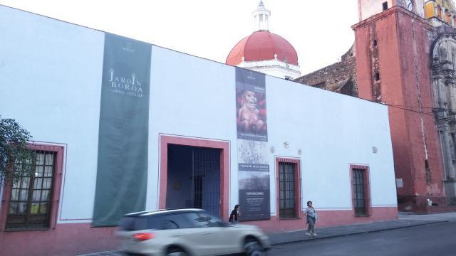 La fachada del Centro Cultural Jardín Borda.
