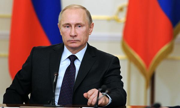 Presidente russo Vladimir Putin classificou explosão de bomba em mercado de São Petersburgo como
