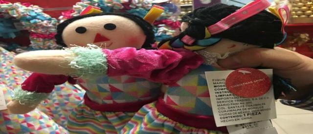 La tienda departamental Liverpool vende muñecas piratas procedentes de China