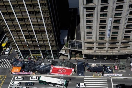 Acampamento do MTST na avenida Paulista visto de cima (Foto: Alice Vergueiro/Facebook MTST)