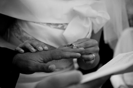 Auguri Matrimonio Per Chi Ha Gia Figli : Coppia down festeggia anni di matrimonio gli auguri