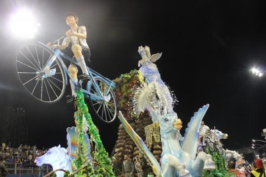 X-9 Pauistana garantiu o título e a volta ao Grupo Especial no Carnaval de 2018