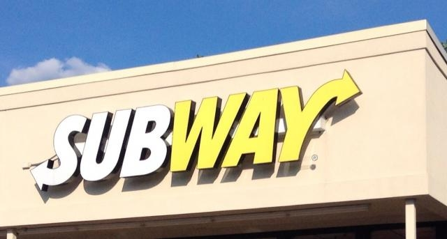 Subway restaurant/Photo by Mike Mozart via Flickr/CC BY 2.0, www.flickr.com/photos/jeepersmedia/15039664052