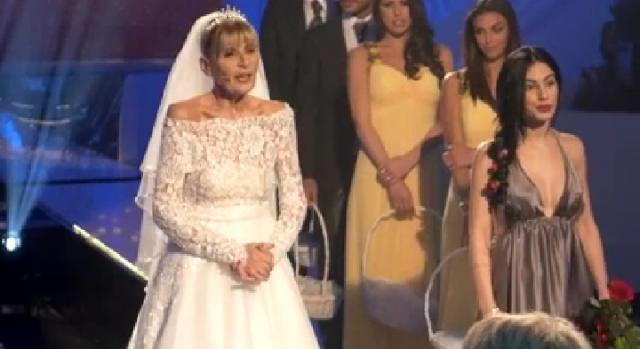 Risultati immagini per gemma galgani vestita da sposa