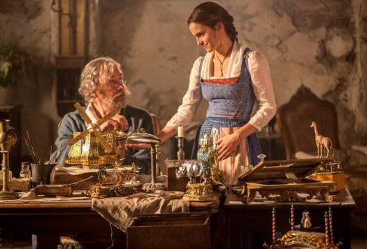 Beauty and the Beast Trailer: Watch Emma Watson and Dan Stevens ... - eonline.com