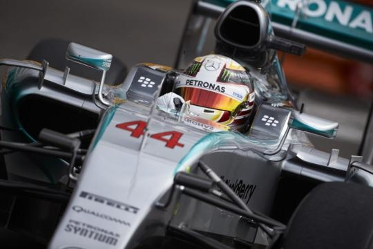Lewis Hamilton will start as title favourite but can anyone stop Mercedes in 2017? (Source: f1madness.co.za)
