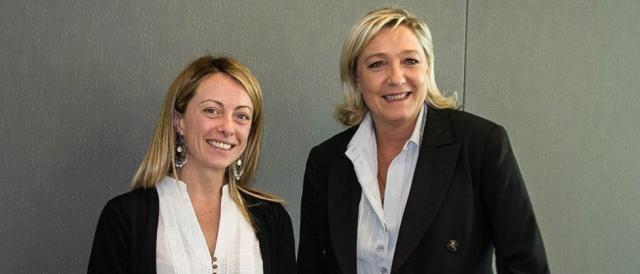 Giorgia Meloni in compagnia di Marine Le Pen