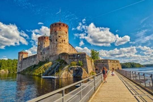 Il castello di Savonlinna si trova in Finlandia, paese definito come il più sicuro al mondo secondo il report Wef 2017