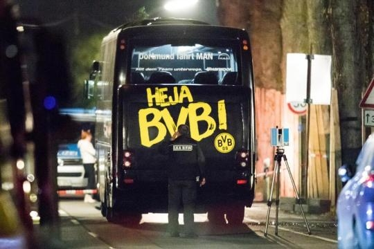 Anschlag auf BVB-Bus: NRW-Innenminister Ralf Jäger nennt Bomben ... - web.de