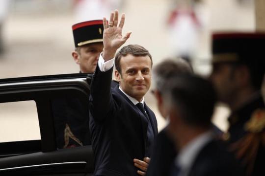 Il neo eletto Presidente arriva all'Eliseo
