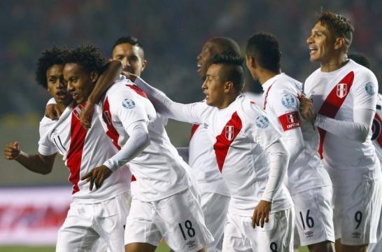 La historia del fútbol peruano y su afición