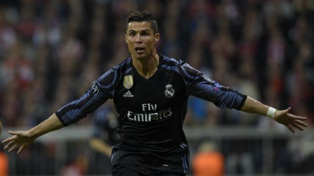 Cristiano Ronaldo abriendo el marcador para el Real Madrid. Foto vía: Twitter ElPartidazoDeCope