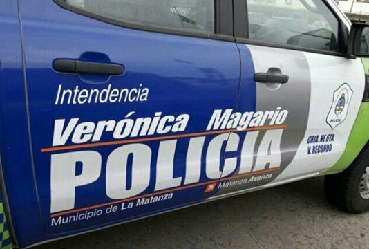 Patrulleros ploteados con el nombre de Verónica Magario